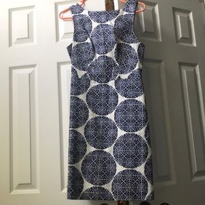Limited dress with black/blue pattern